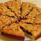 Легкий рецепт пирога с вареньем из клубники